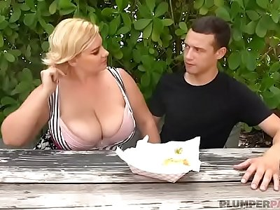 Sexy Busty BBW MILF Tiffany Blake Sucks Hot Dog and Dick