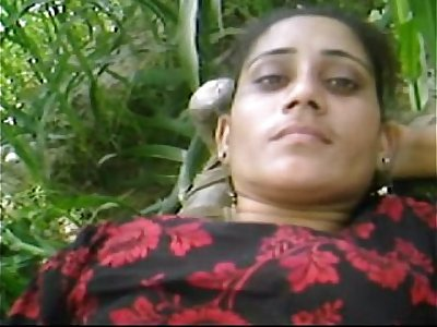 Beautiful Desi Village Girl  Outdoor Fucking With Boyfriend